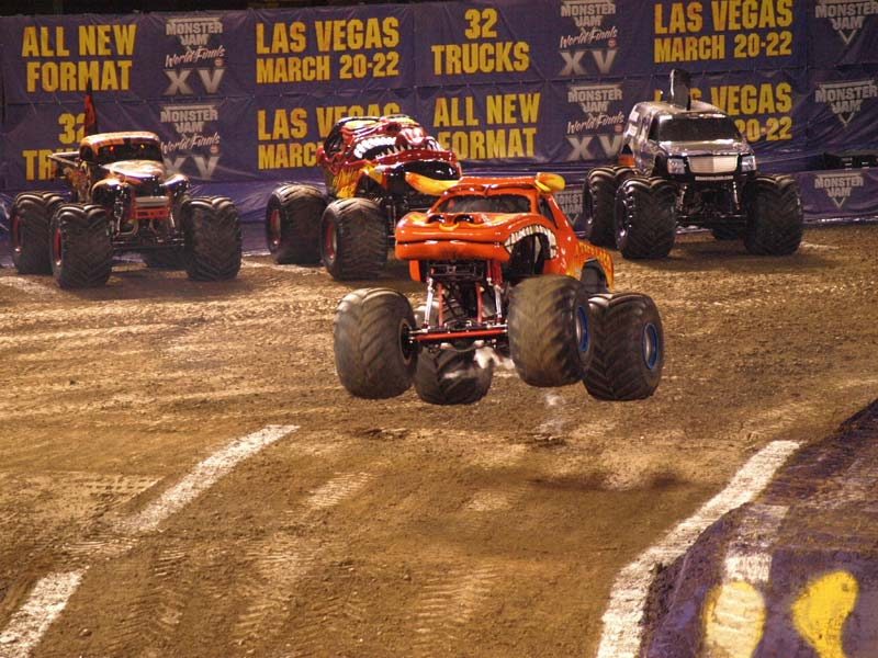 Monster truck rally reaches out to Latino fan base |