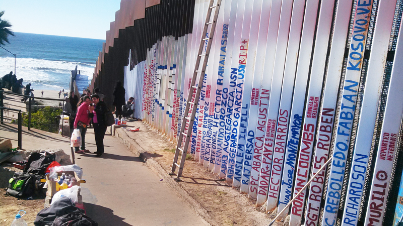 Proyecto Mural de Veteranos Deportados en Playas de Tijuana, México. Deported Veterans Mural Project in Playas De Tijuana, Mexico.  Photo Fabian Rebolledo