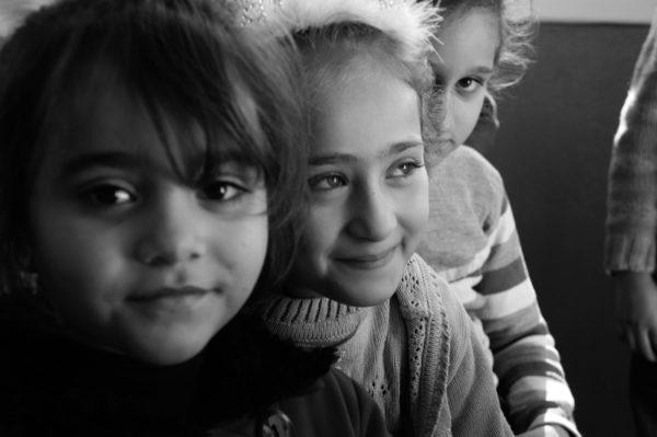 Estudiantes de la Escuela El Eman Para Niños Sirios en Antakya, Turquía. Foto Amos Gregory