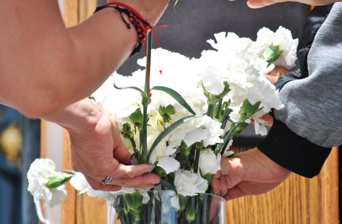 Una conferencia de prensa y oración se llevan a cabo en las escalinatas frontales del ayuntamiento en honor de Kathryn Steinle, quien murió fatalmente durante una caminata por el Puerto 14. Foto Alejandro Galicia