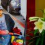 Amigos y vecinos del fallecido Amilcar Pérez-López, el inmigrante guatemalteco de 20 años de edad muerto a tiros por oficiales encubiertos de San Francisco —Eric Reboli y Craig Tiffe— le dieron un último adiós el sábado 4 de abril en la Iglesia Saint John the Evangelist Catholic Church en la Misión. Después de un mes de disputas legales incluyendo una autopsia, el cuerpo de Pérez-López finalmente será regresado a su pueblo natal San José La Arada en el departamento de Chiquimula en Guatemala. Foto Dhoryan Rizo