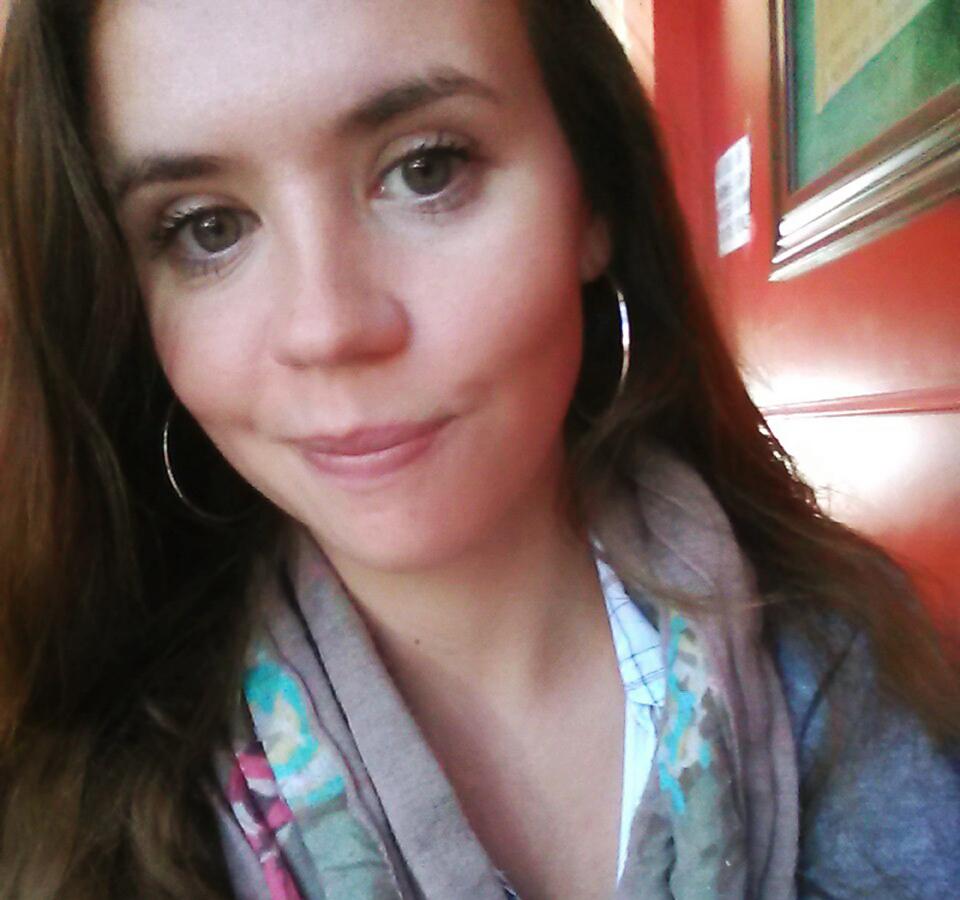 Elizabeth Holland Column Headshot_01web