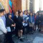 Conferencia de prensa organizada por las coaliciones Free SF y SFILEN afuera del Edificio de las Mujeres en San Francisco, el 23 de junio, en respuesta al veredicto de la Suprema Corte respecto a DAPA y Expansión de DACA. Foto courtesía California Immigrant Youth Justice Alliance