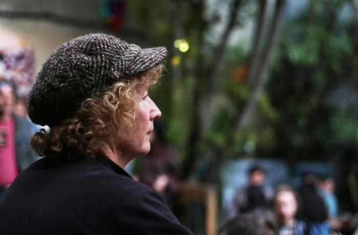 Elisa Welch, ha vivido en San Francisco por 17 años, no fue directamente afectada, sin embargo pudo percibir el olor a humo cuando llegó a casa de su trabajo en el Estadio de los Giants. Echará de menos los negocios que solía frecuentar. Foto Jessica Webb