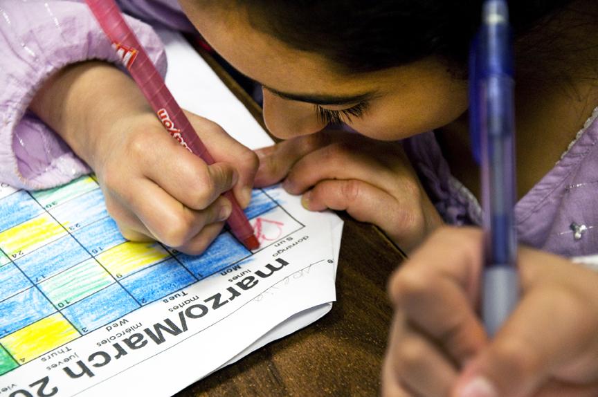 Propuesta 58 aprobada, apoya la educación bilingüe en las escuelas de California. El Tecolote Archives/Foto: Marina Forte
