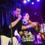 Integrantes de Soltrón se presentan en The Chapel el 6 de diciembre de 2015, como parte del vigésimo cuarto Encuentro del Canto Popular, un concierto organizado por Acción Latina. Courtesía: El Tecolote Archives/Foto: Russell Diaz