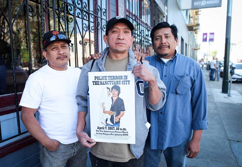 La familia de Luis Góngora, quien muriera trágicamente a manos de agentes del SFPD. De izquierda a derecha, Luis Góngora Pat, primo; su hermano, José Góngora Pat y su primo Carlos Poot en la calle 17, en el primer aniversario de su muerte. Foto: Ekevara Kitpowsong