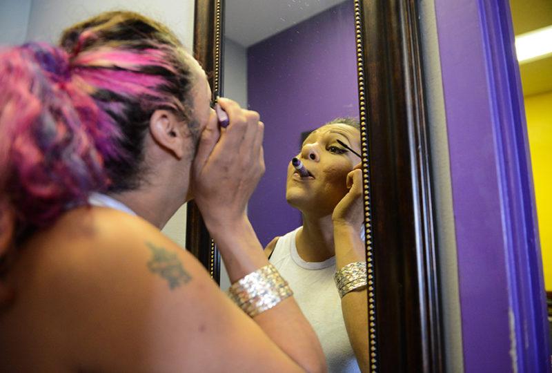 Brianna Salas applies makeup as she prepares for Trans March at the El/La Para Trans Latinas office on Friday, June 23. Photo: Desiree Rios