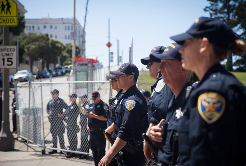 San Francisco police block all the access to Alamo Square in San Francisco on Saturday afternoon, Aug. 26, 2017. (Photo by Ekevara Kitpowsong)