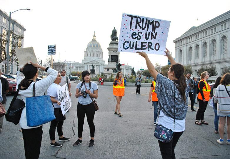 Manifestantes encabezan la marcha que reunió a cientos, desde la calle Misión al ayuntamiento de San Francisco para mostrar su oposición contra la rescisión de DACA. Foto: Alejandro Galicia Diaz