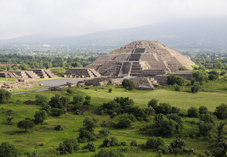 Mexico, Anahuac, Teotihuacan, Moon Pyramid. Photo: Eye Ubiquitous/UIG via Getty Images. Courtesy: Fine Arts Museums of San Francisco