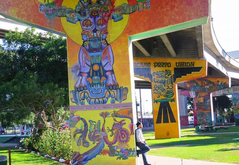 Drago Rentería en el Chicano Park en San Diego. Drago Rentería en el Chicano Park en San Diego. Foto: Jennifer Mantle