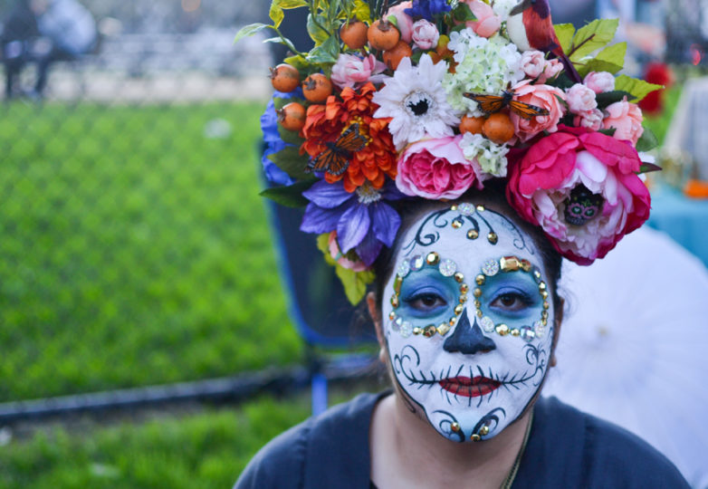 The Festival of Altars on Garfield Square during Día de Muertos in San Francisco's Mission district, Friday November 2, 2018. Photo: Mabel Jiménez/Calle 24