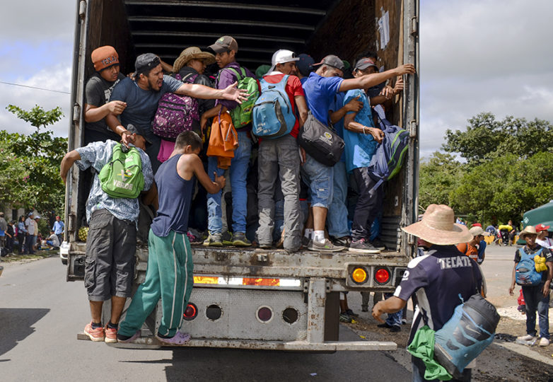 Central American migrants board a caravan leaving from Mexico City on Nov. 2, 2018. Courtesy: Gloria La Riva