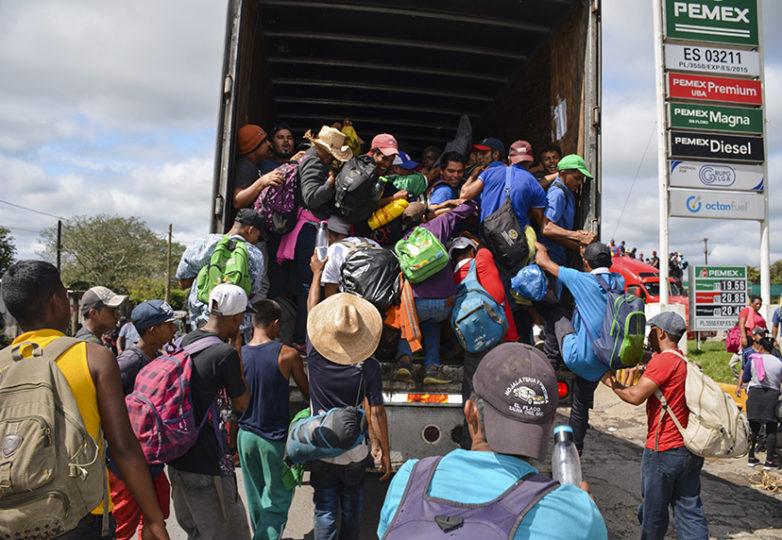 Inmigrantes centroamericanos se integran a la caravana que parte de la Ciudad de México. Cortesía: Gloria La Riva