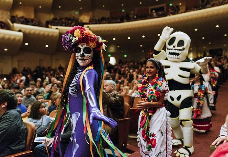 Evento por el Día de los Muertos en la Sinfónica de San Francisco. Foto cortesía: Brandon Patoc