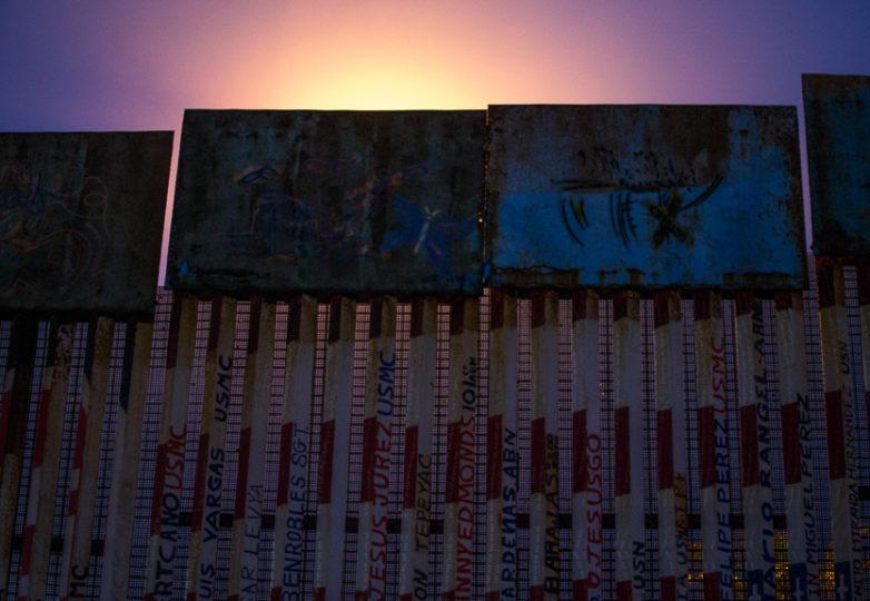 El muro que divide la frontera entre los EEUU y México. Foto: Mabel Jiménez