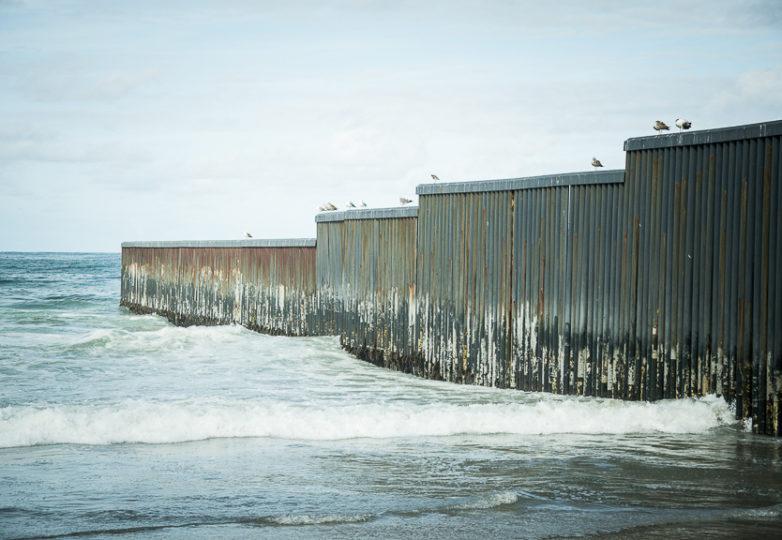 El límite oeste del muro fronterizo. Foto: Mabel Jiménez